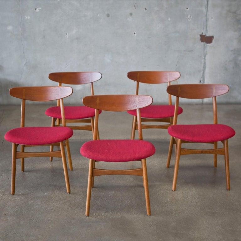 Danish Hans J. Wegner CH30 Chairs in Teak and Oak Set of Five, Denmark, 1950s For Sale