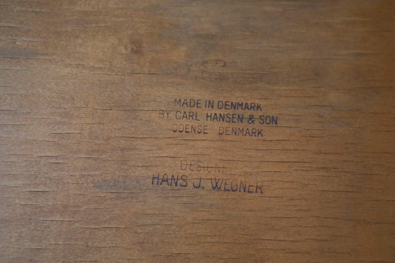Hans J. Wegner CH30 Chairs in Teak and Oak Set of Five, Denmark, 1950s In Good Condition For Sale In Los Angeles, CA