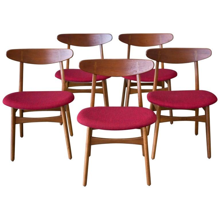 Hans J. Wegner CH30 Chairs in Teak and Oak Set of Five, Denmark, 1950s For Sale