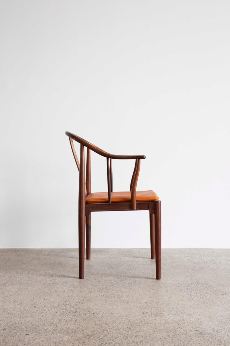 Scandinavian Modern Hans J. Wegner China Chair in Rosewood for Fritz Hansen, 1944 For Sale