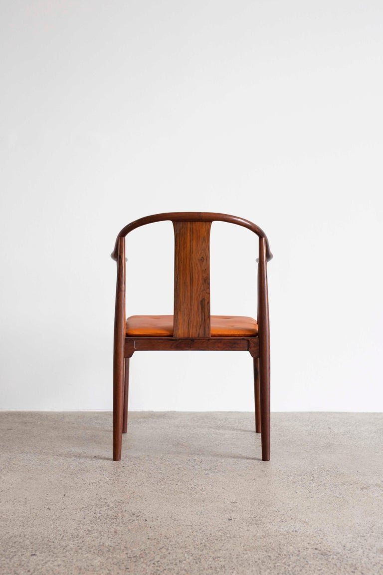 Hans J. Wegner China Chair in Rosewood for Fritz Hansen, 1944 In Good Condition For Sale In Copenhagen, DK