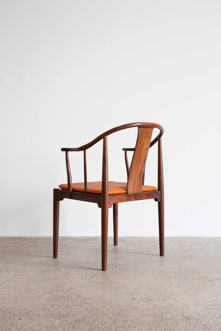20th Century Hans J. Wegner China Chair in Rosewood for Fritz Hansen, 1944 For Sale