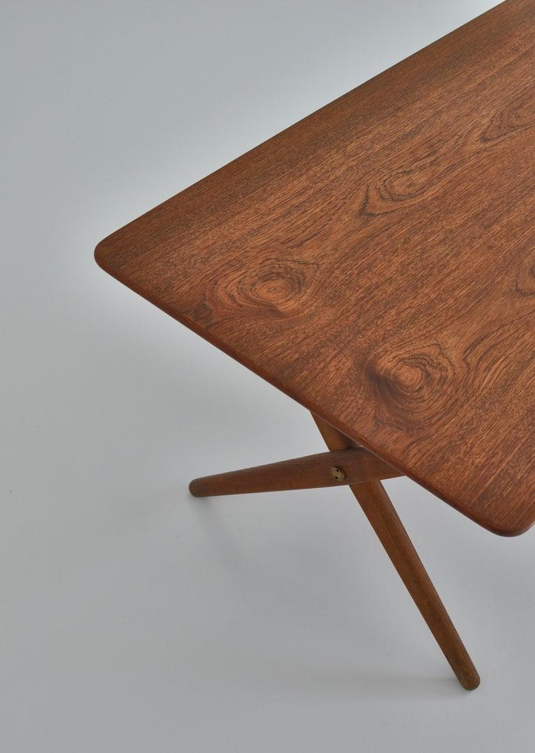 Hans J. Wegner Crossed Legs Side Table