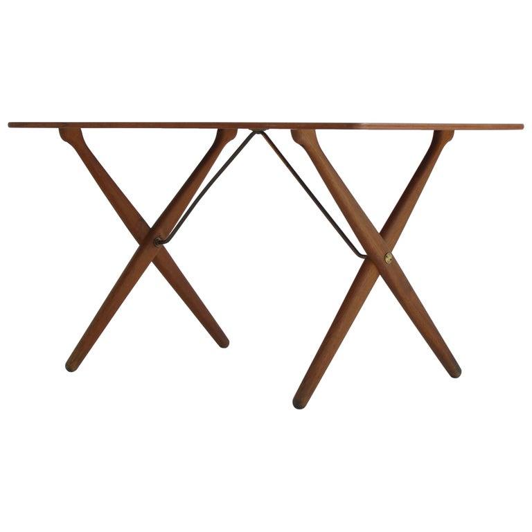 "Hans J. Wegner Crossed Legs Side Table ""AT-308"" in Teakwood & Oak, 1950s For Sale"