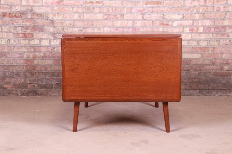 Hans J. Wegner Danish Modern Teak Drop-Leaf Dining Table, Newly Refinished For Sale 7