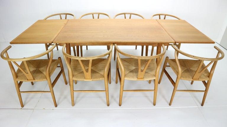 Scandinavian Modern Hans J. Wegner Dinning Room Set- 8 Of Wishbone CH24 Chairs & Dining Table AT-312 For Sale