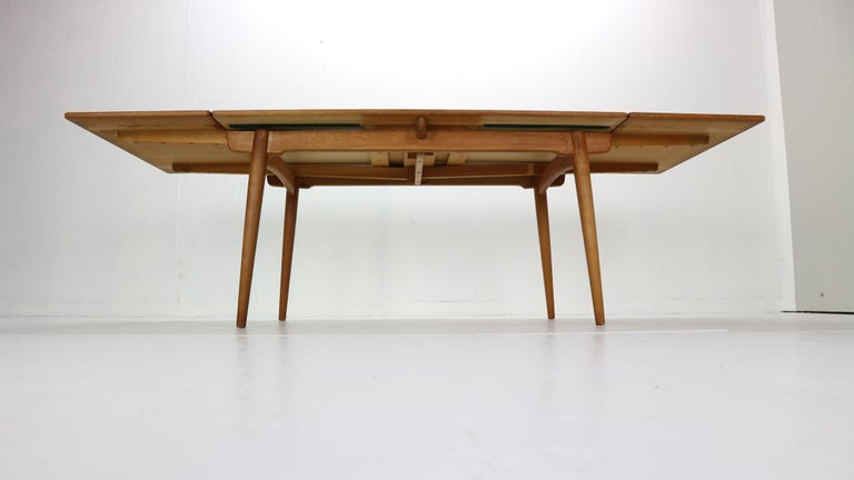 Hand-Woven Hans J. Wegner Dinning Room Set- 8 Of Wishbone CH24 Chairs & Dining Table AT-312 For Sale