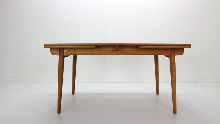 Oak Hans J. Wegner Dinning Room Set- 8 Of Wishbone CH24 Chairs & Dining Table AT-312 For Sale