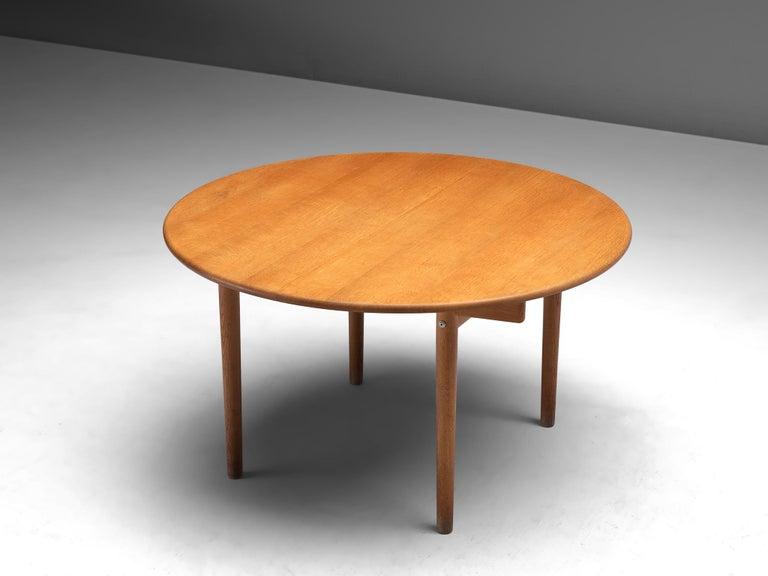 Mid-20th Century Hans J. Wegner Extendable PP70 Table in Oak
