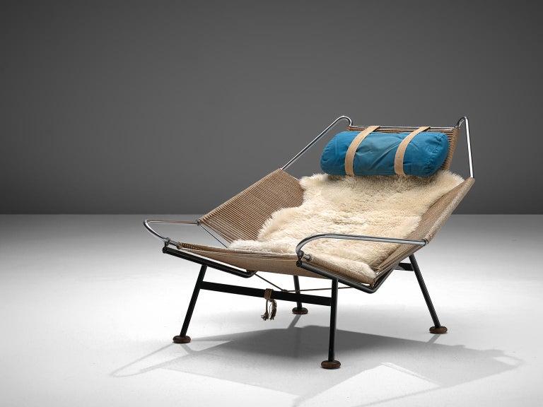 Hans J. Wegner Flag Halyard Chair with Wooden Feet In Good Condition In Waalwijk, NL