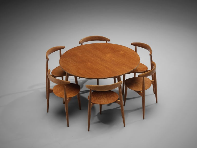 Oak Hans J. Wegner for Fritz Hansen Set of 6 Chairs 'FH4103' with Round Dining Table For Sale