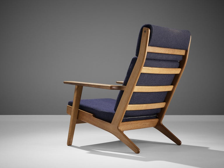 Danish Hans J. Wegner for GETAMA Lounge Chair Ge290 For Sale