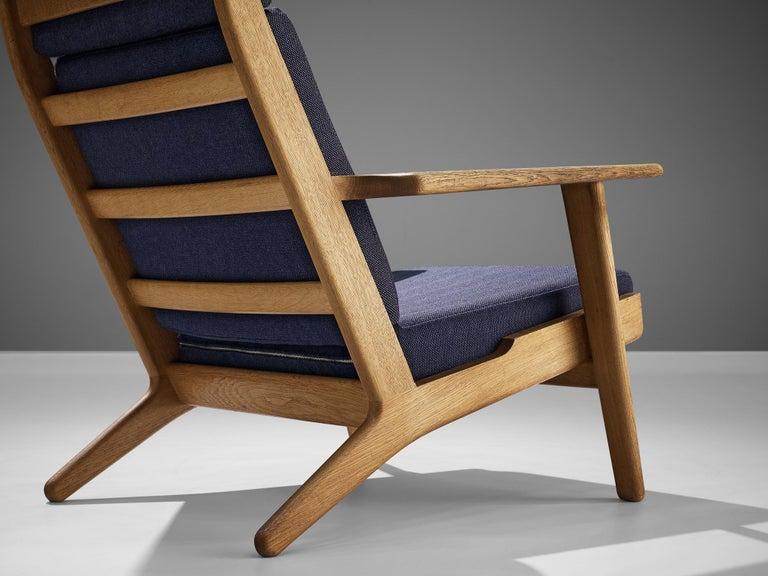 Hans J. Wegner for GETAMA Lounge Chair Ge290 In Good Condition For Sale In Waalwijk, NL