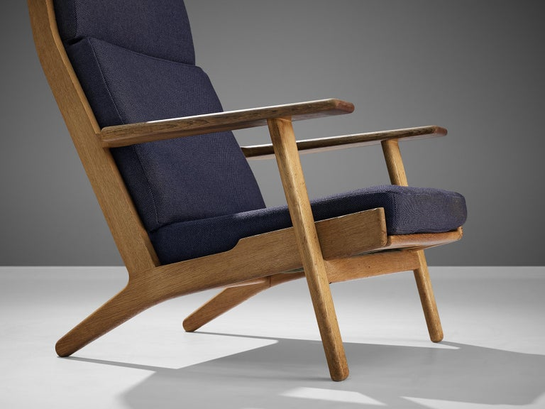 Mid-20th Century Hans J. Wegner for GETAMA Lounge Chair Ge290 For Sale