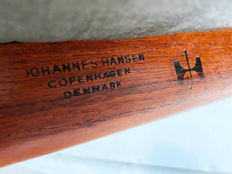 Hans J. Wegner for Johannes Hansen Teak and Cognac Leather Round Chair For Sale 4