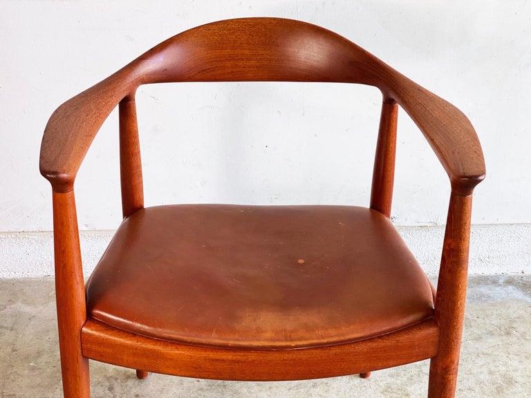 Hans J. Wegner for Johannes Hansen Teak and Cognac Leather Round Chair For Sale 3