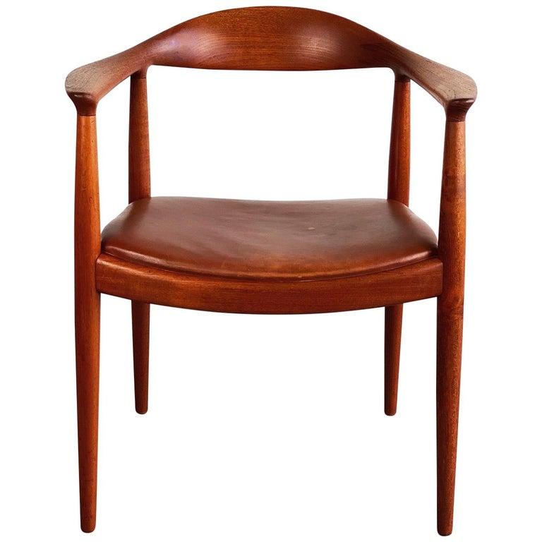 Hans J. Wegner for Johannes Hansen Teak and Cognac Leather Round Chair For Sale