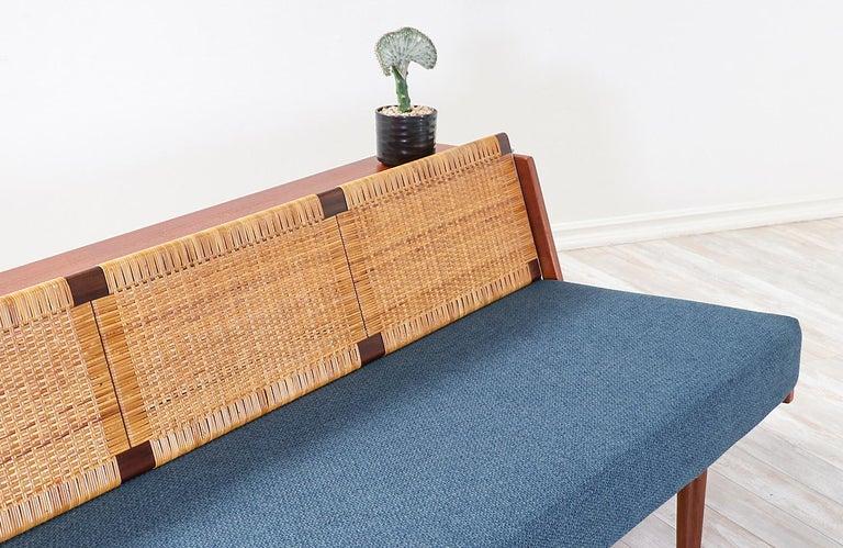 Mid-20th Century Hans J. Wegner GE-259 Adjustable Cane Daybed for GETAMA For Sale