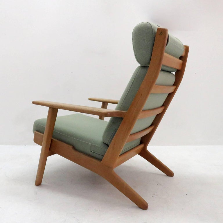 Hans J. Wegner GE 290 High Back Chair In Good Condition For Sale In Los Angeles, CA