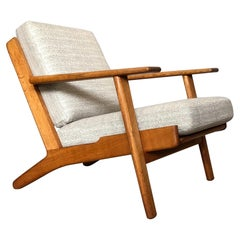 Hans J Wegner Ge290, reupholstered Original 1950s Model.