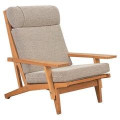 Hans J. Wegner GE375 Oak Lounge Chair