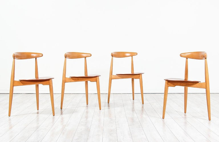 Hans J. Wegner 'Heart' Dining Chairs for Fritz Hansen In Excellent Condition For Sale In Los Angeles, CA