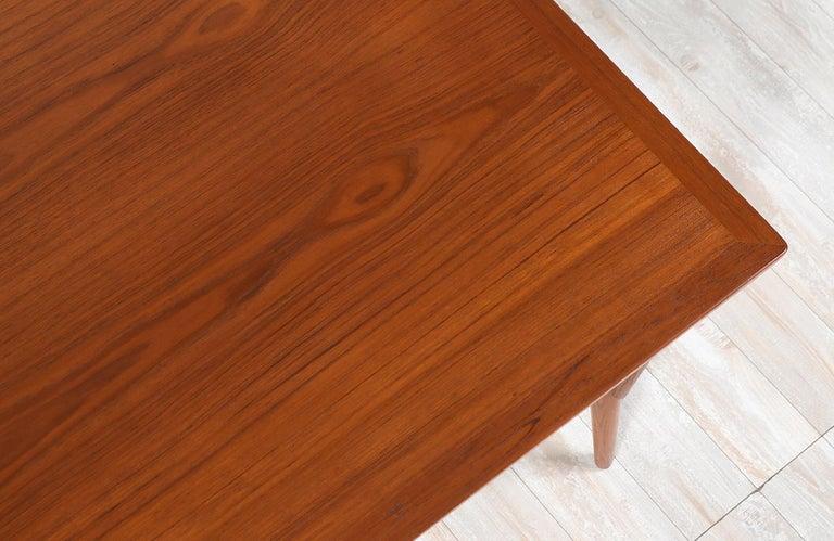 Hans J. Wegner JH-561 Dining Table / Desk for Johannes Hansen For Sale 4