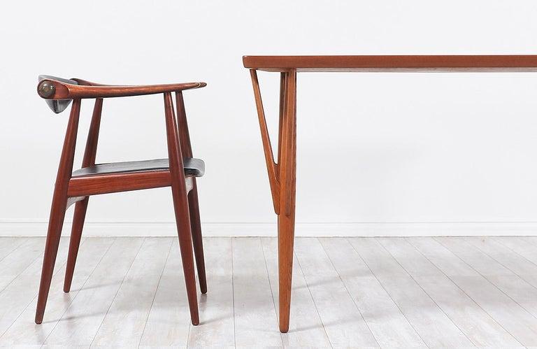 Hans J. Wegner JH-561 Dining Table / Desk for Johannes Hansen For Sale 6