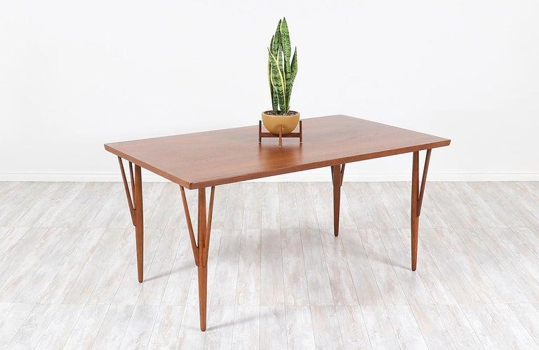 Mid-Century Modern Hans J. Wegner JH-561 Dining Table / Desk for Johannes Hansen For Sale