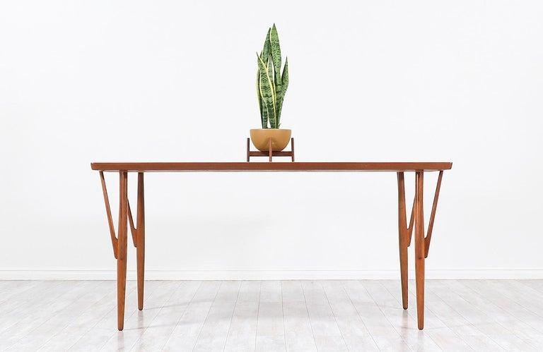 Mid-20th Century Hans J. Wegner JH-561 Dining Table / Desk for Johannes Hansen For Sale