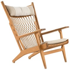 Hans J. Wegner JH-719 in Oak for Johannes Hansen