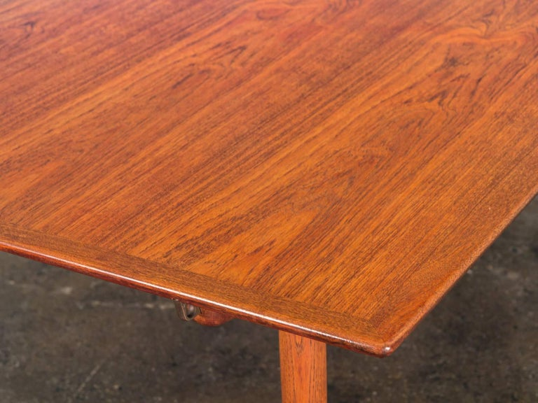 Hans J. Wegner JH570 Teak Dining Table for Johannes Hansen In Good Condition For Sale In Brooklyn, NY