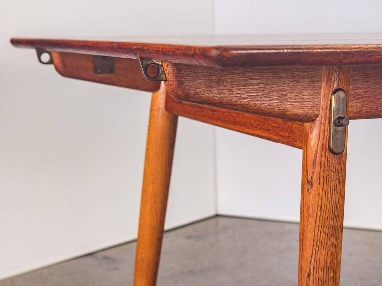 Hans J. Wegner JH570 Teak Dining Table for Johannes Hansen For Sale 2