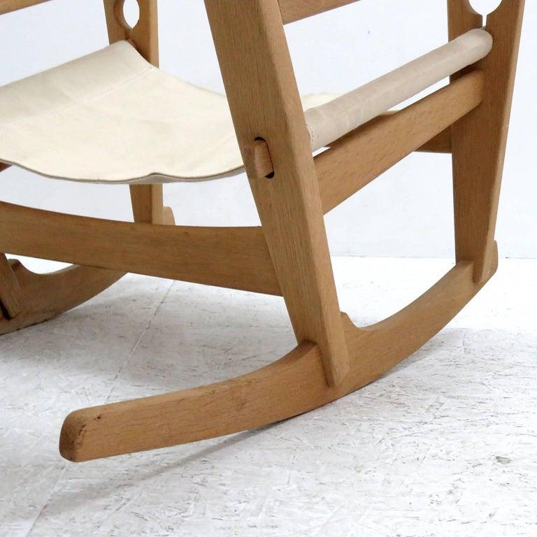 Hans J. Wegner 'Keyhole' Rocking Chair, 1967 For Sale 1