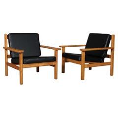 Hans J. Wegner Lounge Chair, Model 220, Black Aniline Leather