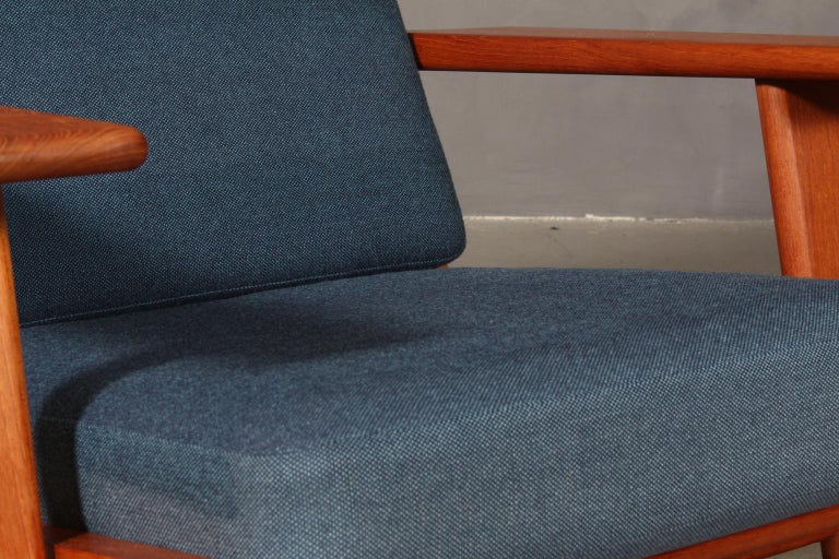 Hans J. Wegner, Lounge Chair, Model 290, Teak In Good Condition In Esbjerg, DK