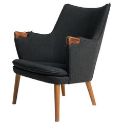 Hans J. Wegner. Lounge Chair, Model AP20, Oak and Teak AP 20 AP-20