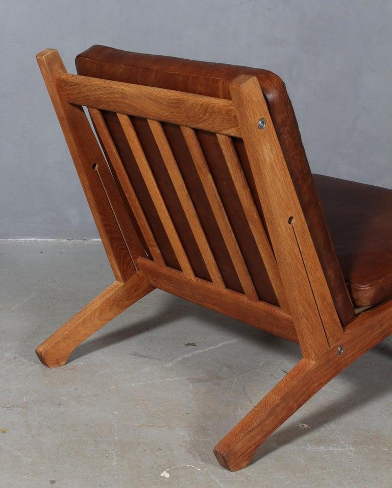 Mid-20th Century Hans J. Wegner Lounge Chair, Model GE-370 For Sale