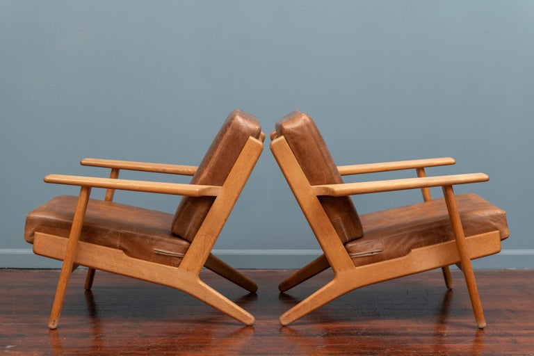 Danish Hans J Wegner Lounge Chairs for Getama Model 290 For Sale