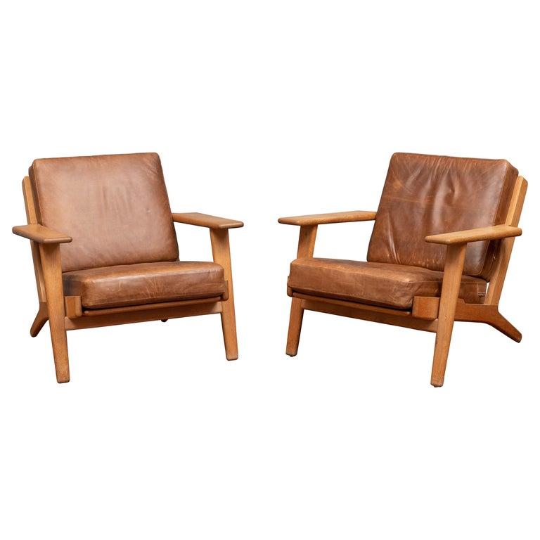 Hans J Wegner Lounge Chairs for Getama Model 290 For Sale