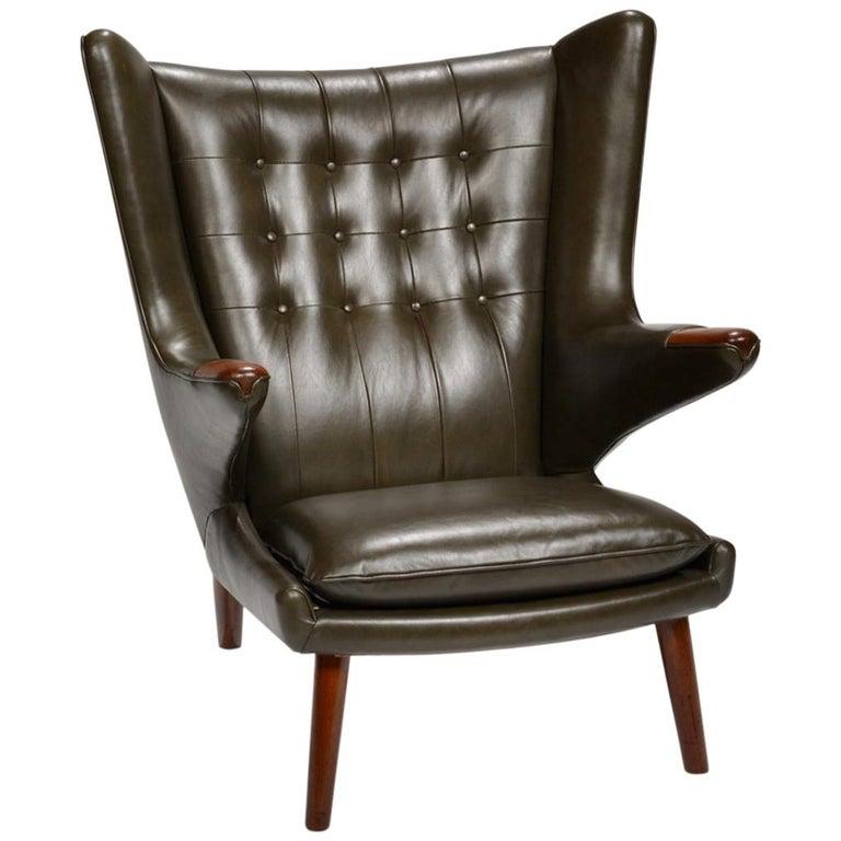 Hans J. Wegner Model AP-19 'Papa Bear' Chair in Dark Green Leather For Sale