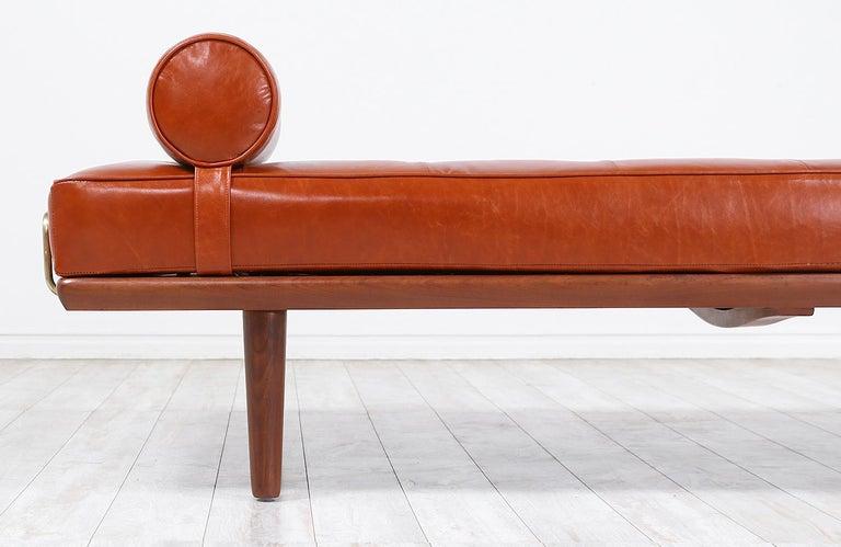 Hans J. Wegner Model GE19 Cognac Leather Daybed for GETAMA For Sale 3