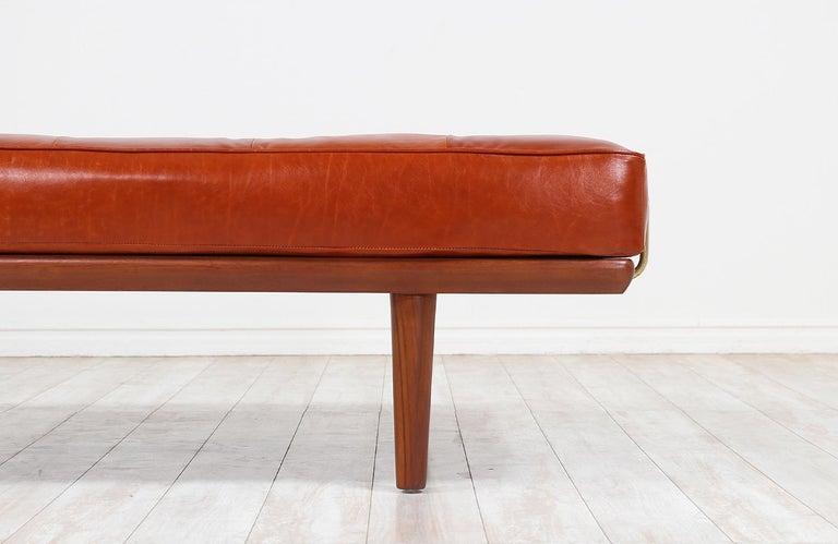 Hans J. Wegner Model GE19 Cognac Leather Daybed for GETAMA For Sale 4