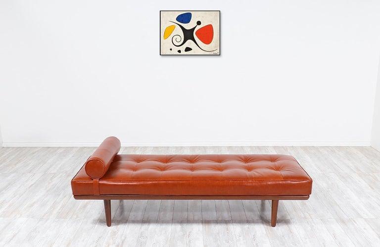 Mid-Century Modern Hans J. Wegner Model GE19 Cognac Leather Daybed for GETAMA For Sale
