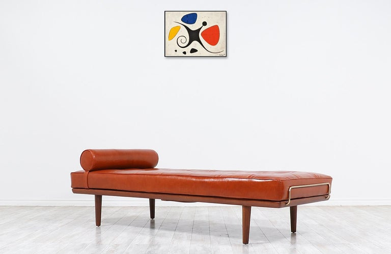 Hans J. Wegner Model GE19 Cognac Leather Daybed for GETAMA In Excellent Condition For Sale In Los Angeles, CA