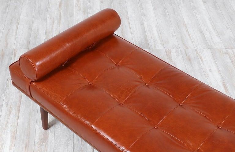Hans J. Wegner Model GE19 Cognac Leather Daybed for GETAMA For Sale 2
