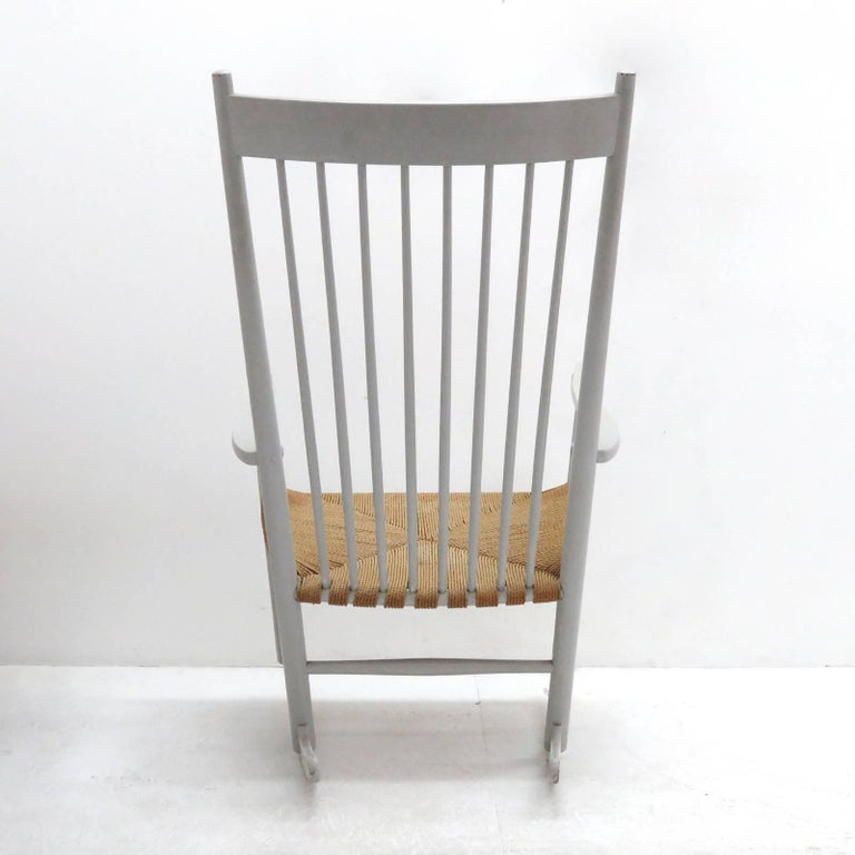 Hans J. Wegner Model J16 Rocking Chair, 1961 In Good Condition For Sale In Los Angeles, CA