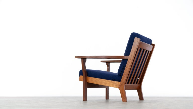 Hans J. Wegner, Original 1956, Lounge Chair Armchair GE-320 by GETAMA, Denmark For Sale 5