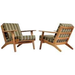 "Hans J. Wegner Pair of ""GE-290"" Lounge Chairs in Oak and Savak Wool, 1953"