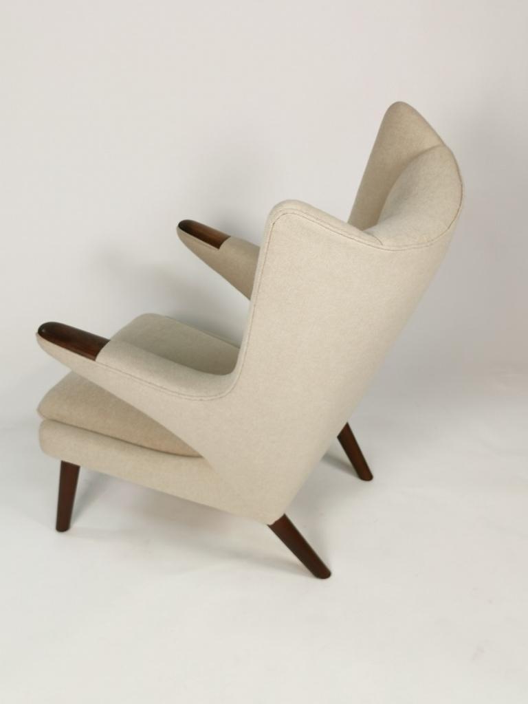 Hans J. Wegner, Papa Bear Easy Chair by Johannes Hansen In Good Condition For Sale In , DE